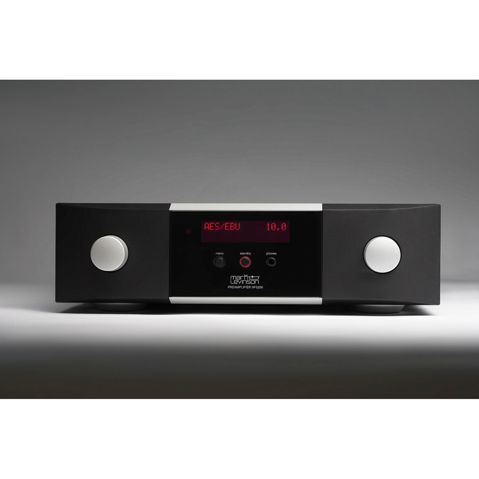 №5206 - Black - Mark Levinson № 5206 preamplifier with Pure Path fully discrete, direct-coupled, dual-monaural line-level class A preamp circuitry, MM/MC phono stage, and Main Drive headphone output. - Hero
